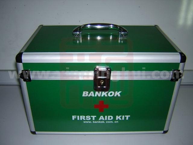 邦高BGA-8急救箱封面