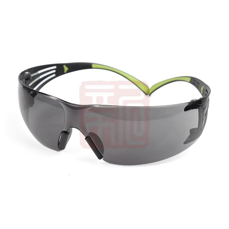 3M SF402AF防护眼镜封面
