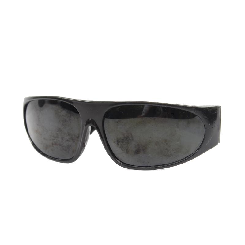 电焊眼镜(宽镜腿 黑架 盒装 209亚博体育APP官网眼镜 黑片)