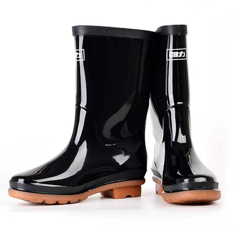 回力853女士牛筋底中筒黑色雨靴